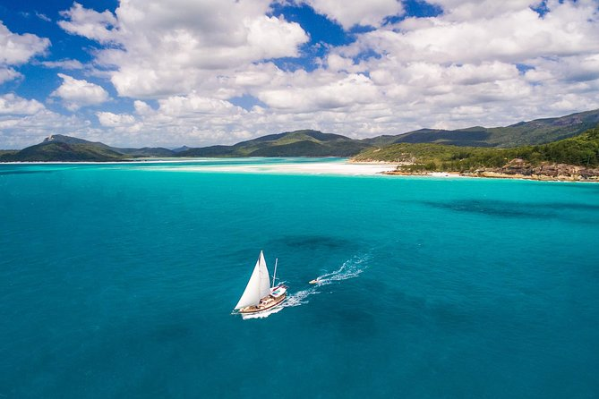 2-Day Whitsundays Sailing Adventure Summertime - Accommodation Airlie Beach