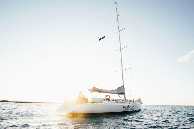 Broomstick Whitsundays Maxi Sailing 2 Days 2 Nights - half a double bed - Accommodation Airlie Beach