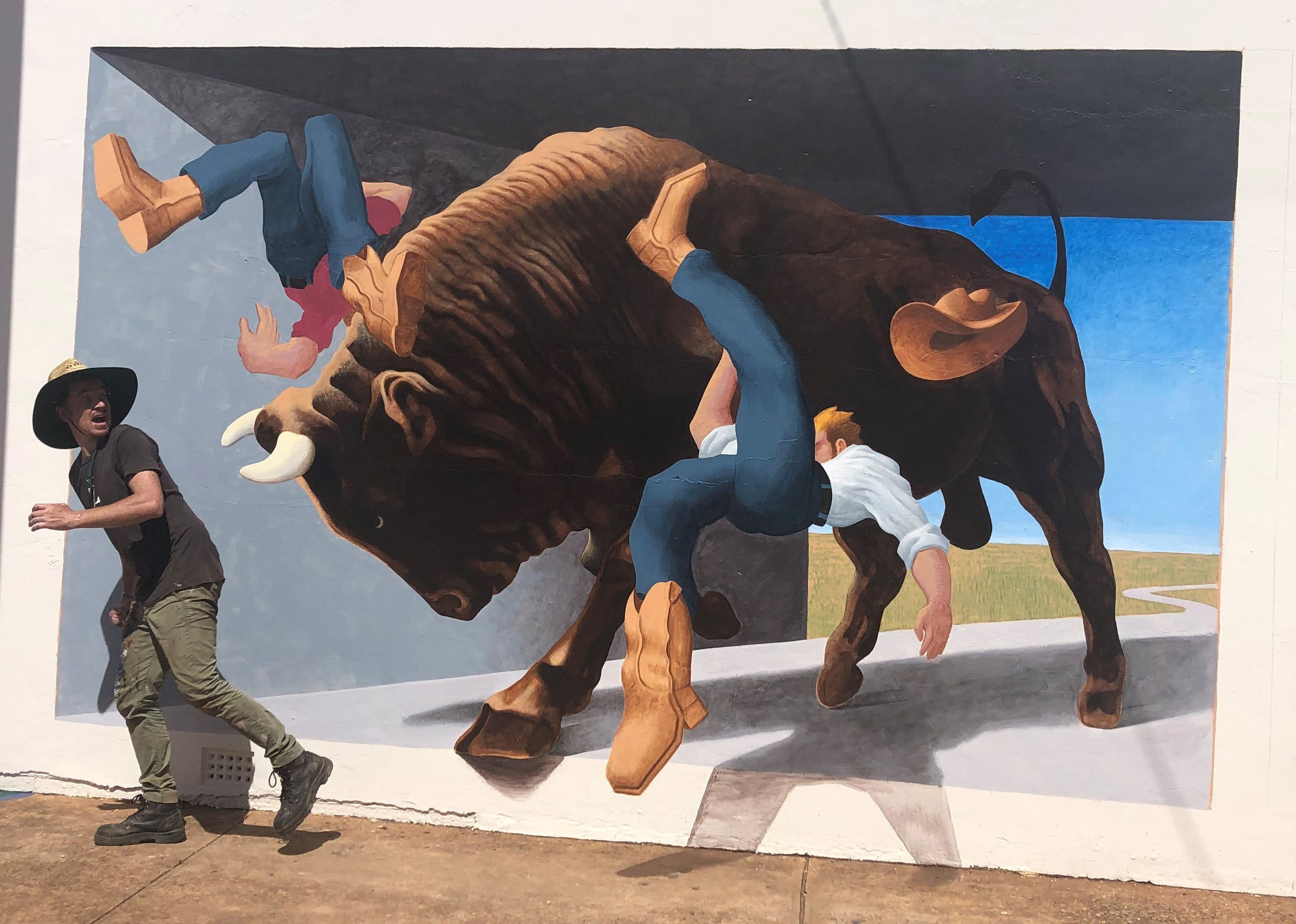 Big Bull Mural - Accommodation Airlie Beach