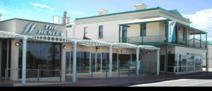 Henley Beach Hotel - Accommodation Airlie Beach