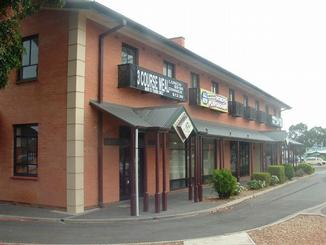 Rose  Crown Hotel - Accommodation Airlie Beach