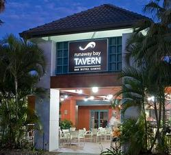 Runaway Bay Tavern - Accommodation Airlie Beach