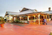 Potters Hotel and Brewery - Accommodation Airlie Beach