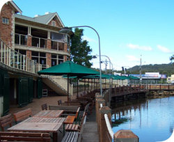 The Woodport Inn - Accommodation Airlie Beach