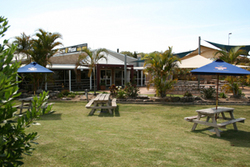 Moonee Beach Tavern - Accommodation Airlie Beach