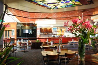 Matthew Flinders Hotel - Accommodation Airlie Beach