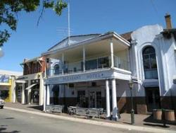 Mount Pleasant Hotel - Accommodation Airlie Beach