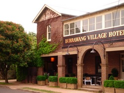 Burrawang Village Hotel - Accommodation Airlie Beach