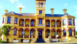 The Queenscliff Historic Royal Hotel - Accommodation Airlie Beach