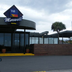 Morwell Hotel - Accommodation Airlie Beach