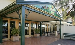 Twin Willows Hotel - Accommodation Airlie Beach