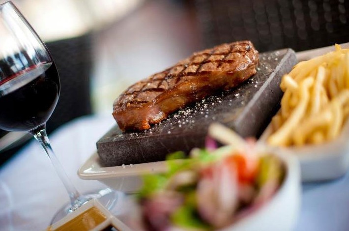 Black Angus Bar  Grill Restaurant - Accommodation Airlie Beach