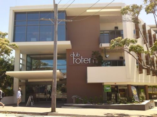 Club Totem - Accommodation Airlie Beach