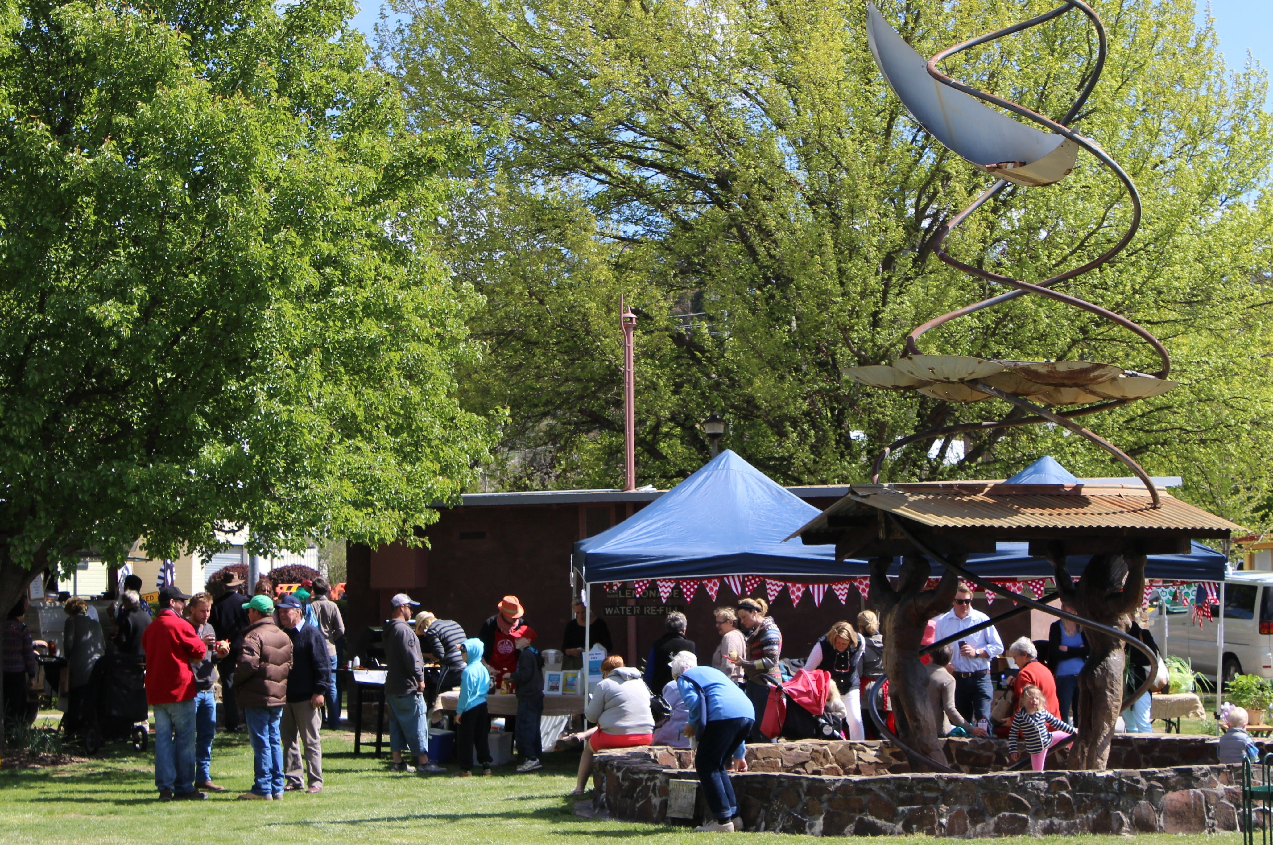 Walcha Farmers' Market - Accommodation Airlie Beach