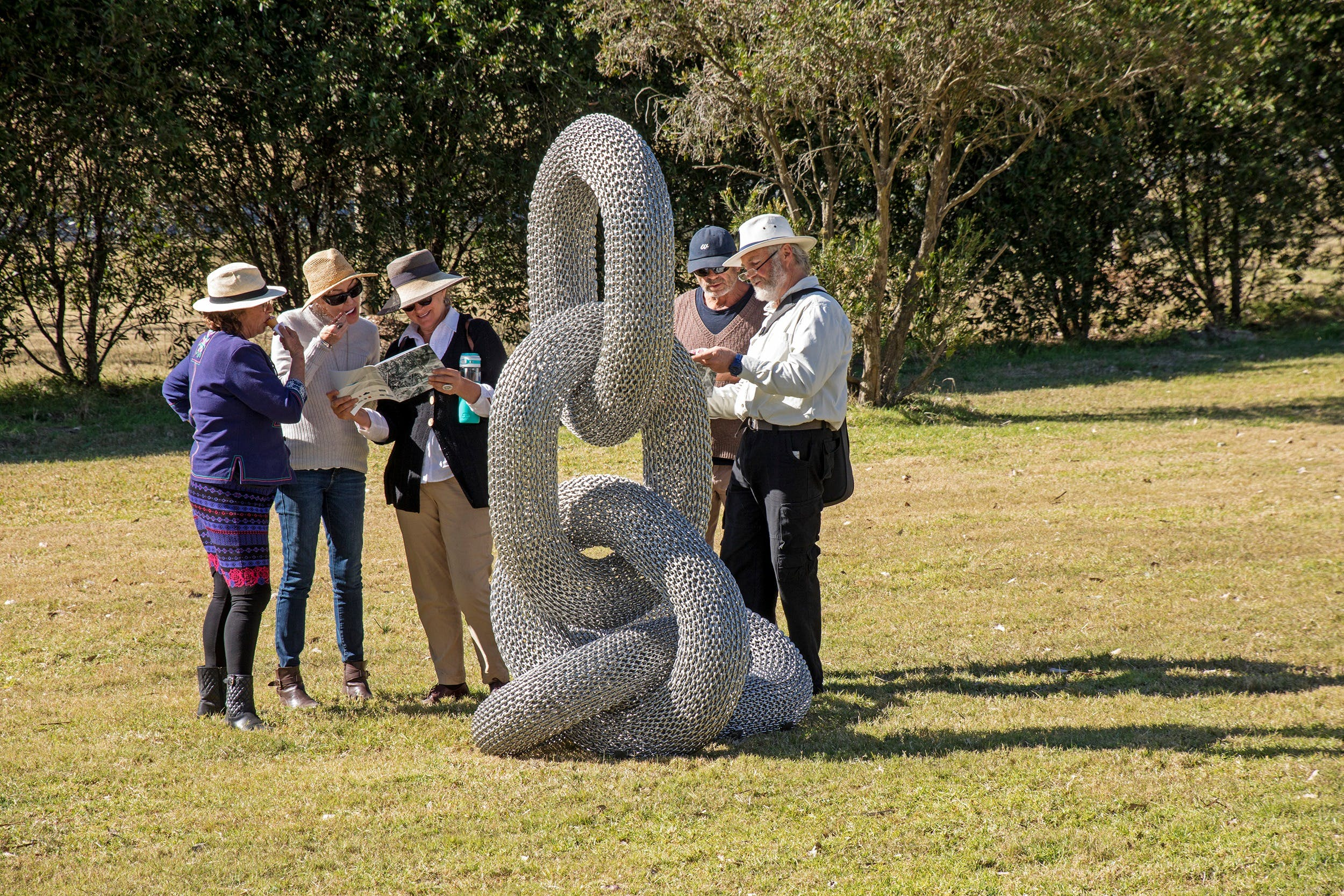 Sculpture for Clyde - Outdoor Exhibition - Accommodation Airlie Beach