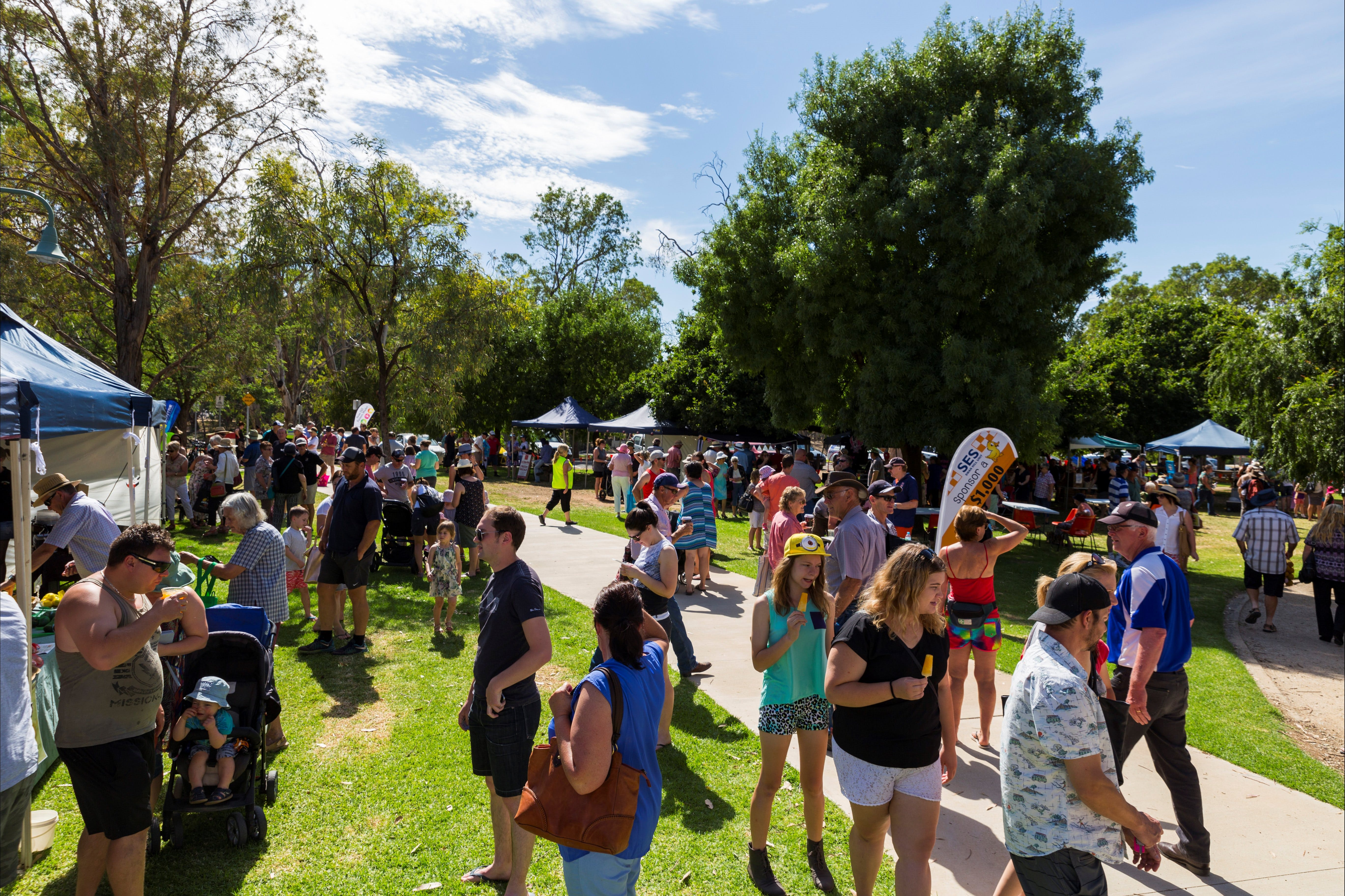 Swan Hill Farmers Market - Accommodation Airlie Beach