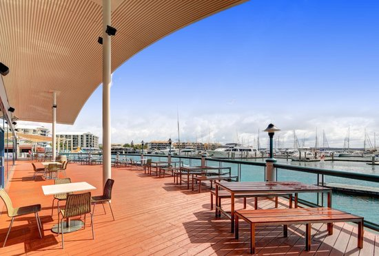 The Boat Club - Accommodation Airlie Beach