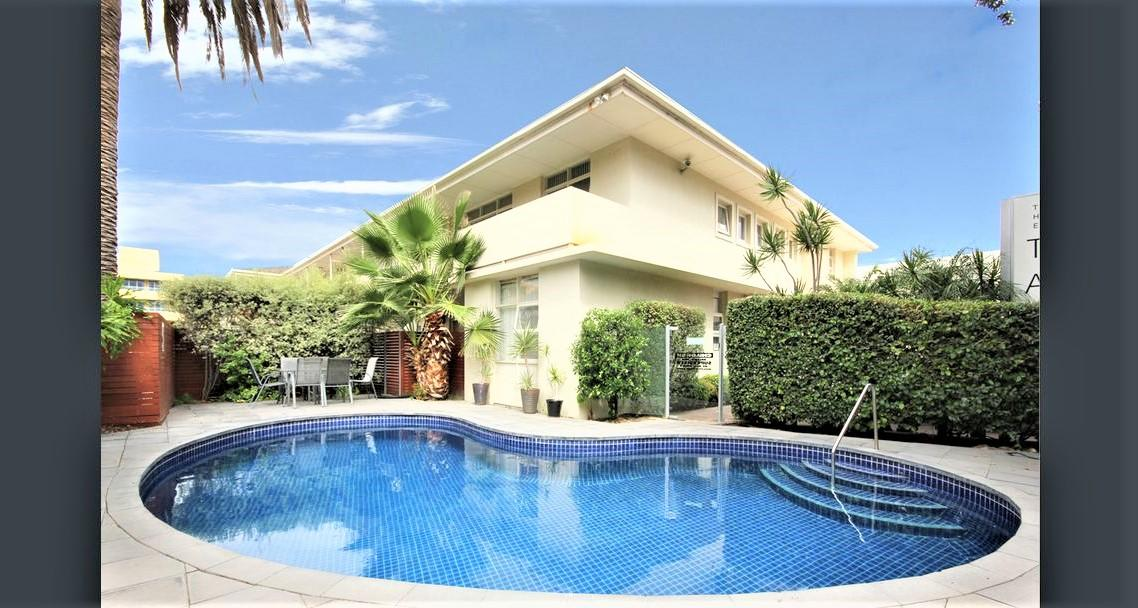 Hi 5 stars Glenelg Studio Apartment - Accommodation Airlie Beach