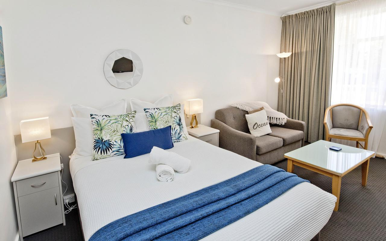 Glenelg Oasis Studios - Accommodation Airlie Beach