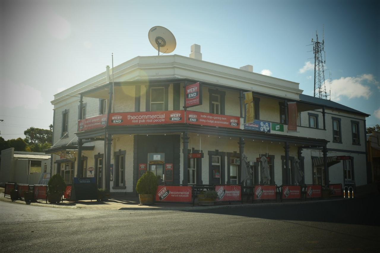 Commercial Hotel Morgan - Accommodation Airlie Beach