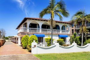 OCEAN BREEZE MOTEL - Accommodation Airlie Beach