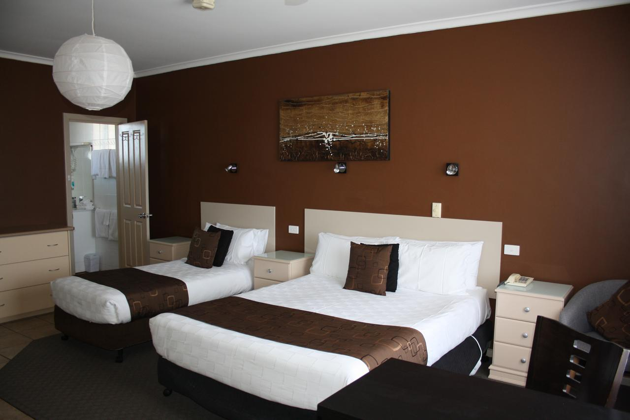 Lakeview Motel and Apartments - Accommodation Airlie Beach