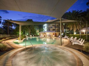 Ramada Resort by Wyndham Flynns Beach - Accommodation Airlie Beach
