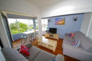 Apollo 1 9 Hodgson Street - Accommodation Airlie Beach