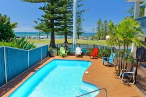 Beach House Holiday Apartments - Accommodation Airlie Beach
