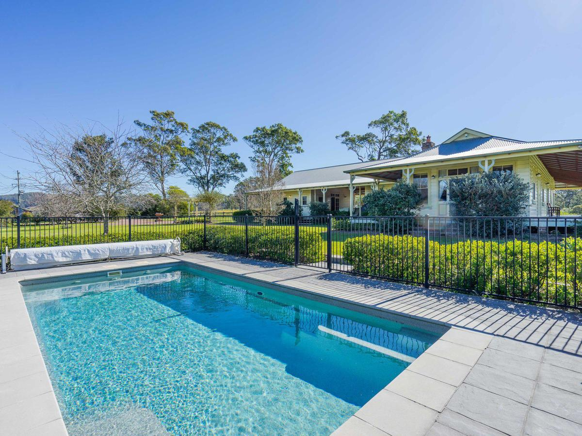 Roscrea Homestead - Luxury Retreat - Accommodation Airlie Beach