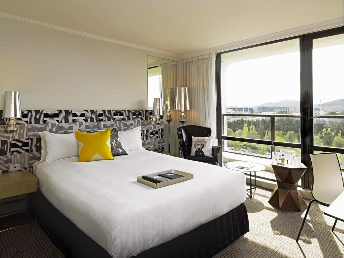 QT Canberra - Accommodation Airlie Beach