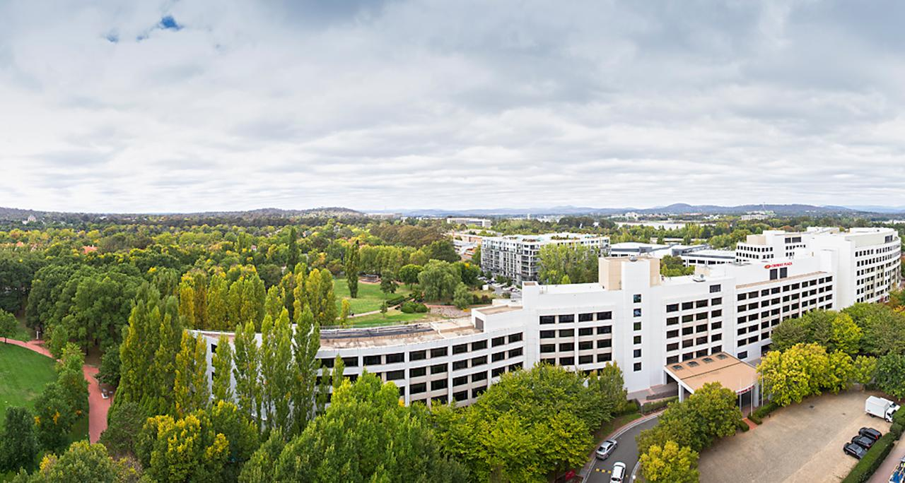 Crowne Plaza Canberra - Accommodation Airlie Beach