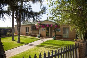 Capricorn Holiday Park - Accommodation Airlie Beach