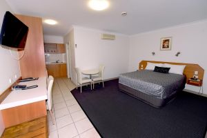 Carriers Arms Hotel Motel - Accommodation Airlie Beach