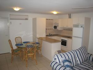 Como Apartments - Geraldton - Accommodation Airlie Beach