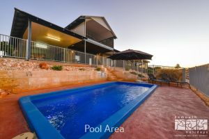3 Kestrel Place - PRIVATE JETTY  POOL - Accommodation Airlie Beach