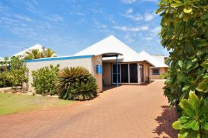 Osprey Holiday Village Unit 119 - Close to the pool - Accommodation Airlie Beach