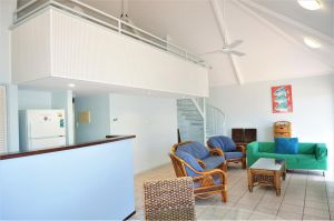 Osprey Holiday Village Unit 120 - Plenty of room for a large family - Accommodation Airlie Beach