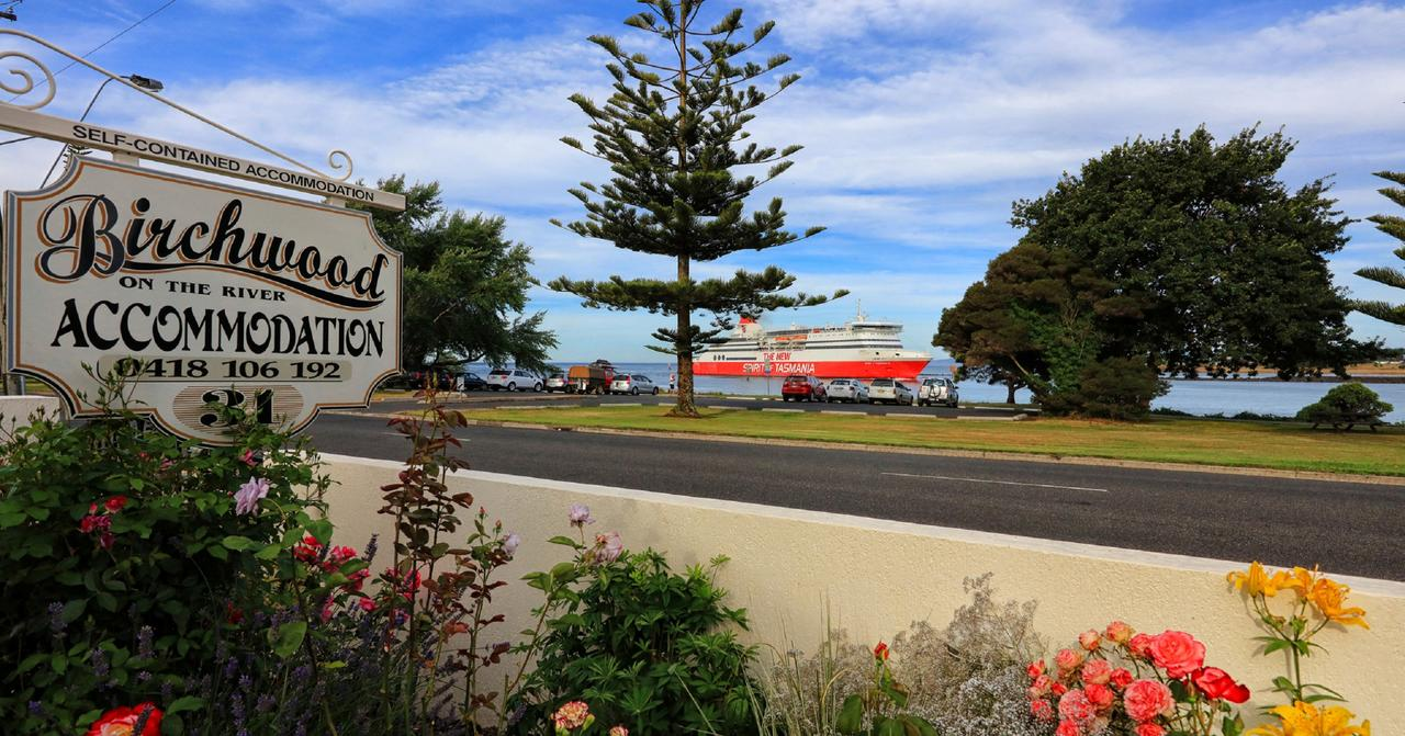 Birchwood Devonport self-contained self catering accommodation - Accommodation Airlie Beach