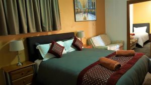 New Olympic Motel - Accommodation Airlie Beach