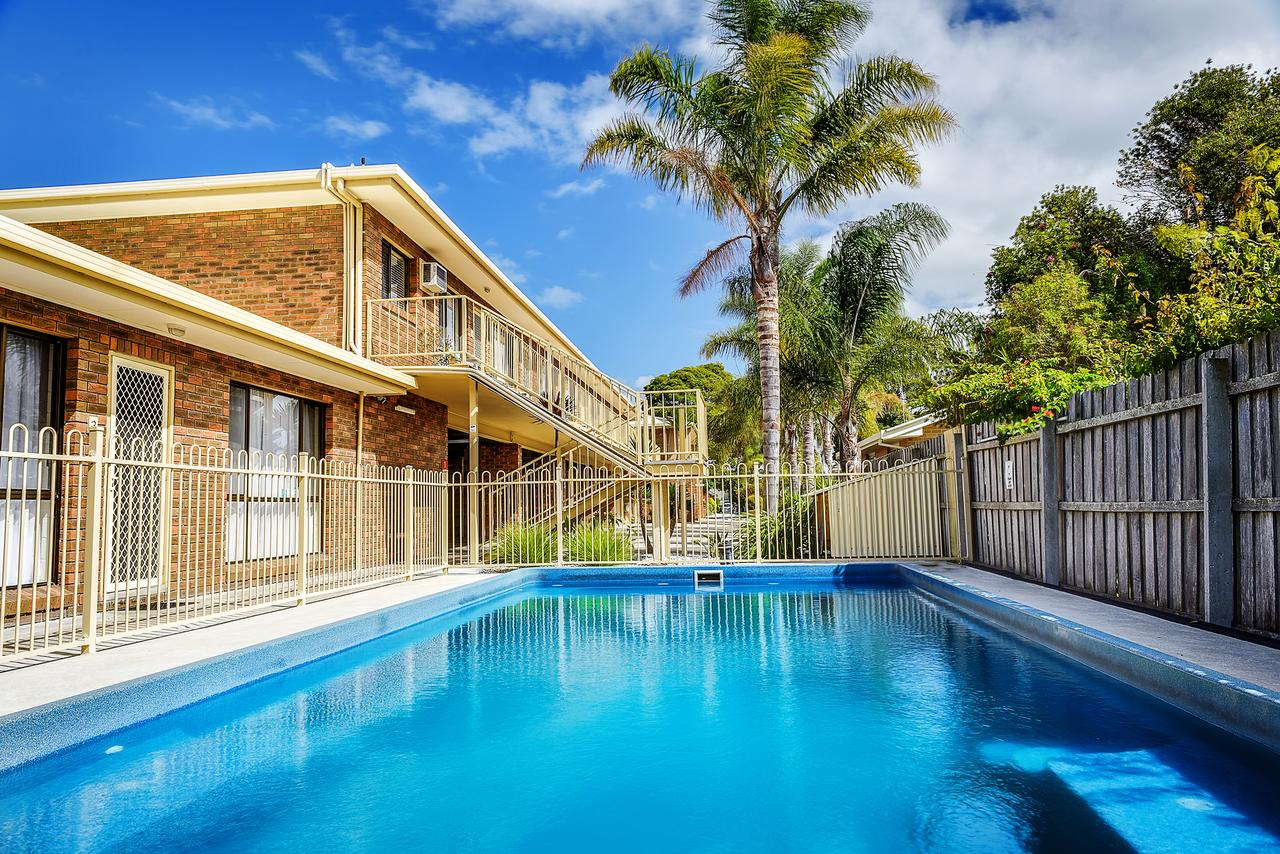 Allambi Holiday Apartments - Accommodation Airlie Beach