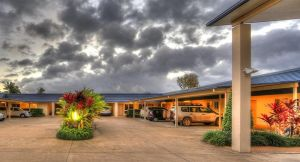 Tropixx Motel  Restaurant - Accommodation Airlie Beach