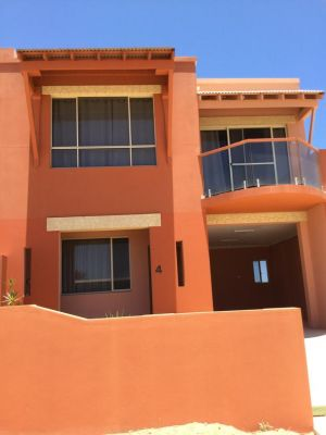 Tuscany Townhouse 3-4 - Accommodation Airlie Beach