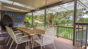'RIVERSIDE RETREAT' 544 Ocean Drive North Haven - Accommodation Airlie Beach